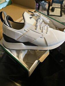 NIB Womens Puma Trainers Size 4