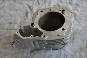 Zylinder mit Kolben links BMW R1100S Einzelzündung prima Zustand