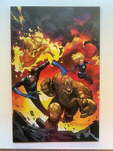 FANTASTIC FOUR #11 PEPE LARRAZ 1:100 VIRGIN VARIANT Marvel Comics 2019