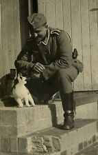 WW2 Photo WWII  German Soldier with Angry Cat  World War Two Wehrmacht / 2467