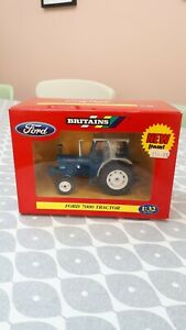 BRITAINS FARM TOYS 42197  FORD 7000 TRACTOR ( NEW IN BOX )