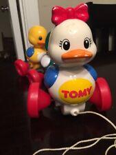 Vintage 1995 Tomy Quack along Ducks Mommy & Baby Ducks Pull String Toy