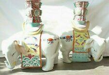 Grande paire, bougeoirs ou vases en Porcelaine chinoise, Éléphants