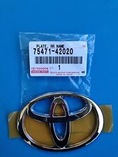 BRAND NEW - TOYOTA PLATE, REAR BODY NAME PART# 75471-42020