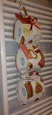 Porta rotolo carta igienica di scorta beige con i cuori rossi