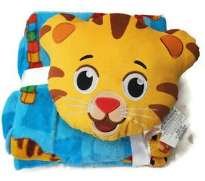 New Daniel Tiger's Neighborhood Nogginz Pillow & Plush Blanket Set
