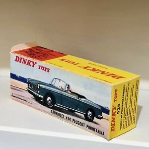 BOITE DINKY TOYS PEUGEOT 404 CABRIOLET PININFARINA N°528