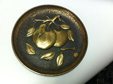 Plate of SYROCO Wood and the apples with gilded leaves
