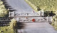 Ratio - 234 - N Gauge Level crossing with Gates
