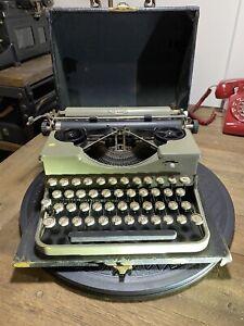 1920s Royal Portable Typewriter Grey