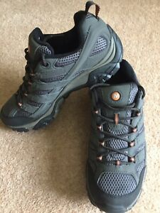 Merrell MOAB 2 Gore-Tex walking shoes Size 8 New