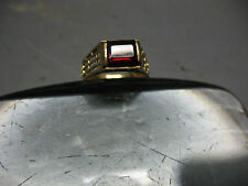 18 K GOLD   LADIES  RING w/ GARNET   SZ.5.5  VINTAGE  ITALY