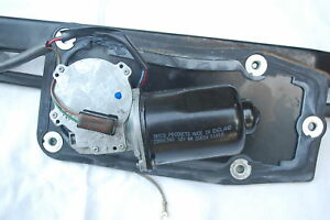Land Rover Discovery 2 - Windscreen Wiper Motor