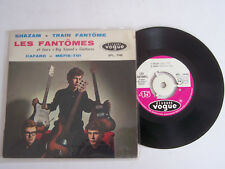 EP 45 T VINYLE 4 TITRES , LES FANTOMES , SHAZAM . VG  / VG -  LANGUETTE .