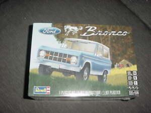 Revell Ford Bronco model kit 1/25 scale