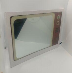 New old stock, Danish, retro style, children's mirror, designed as a TV (e)
