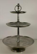 Exclusive Designer Etagere aus Aluminium Silber gestaffelt auf drei Ebenen 42cm