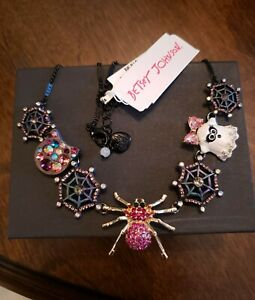 BETSEY JOHNSON HALLOWEEN SPIDER CAT GHOST & WEB PENDANT NECKLACE WITH CRYSTALS!