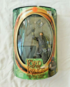 The Lord of the Rings The Fellowship of the Ring Gimli Figure w/ Battle Axe NEW