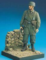 1/16 Resin Figure Model Kit German Soldier Paratrooper (with base) WWII Unpainte