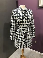 AUTHENTIC Le Suit Women's HOUNDSTOOTH Coat Belted Long Jacket  Black White Sz 8