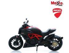 Motos et quads miniatures noirs pour Ducati 1:12