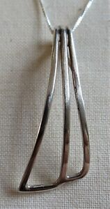 STERLING SILVER MODERNIST CURVED PENDANT NECKLACE 925 (16270)