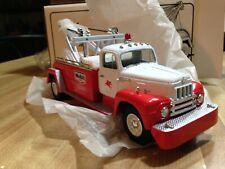 First Gear Mobil 1957 International R-200 Tow Truck #19-1173