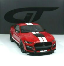 FORD Mustang Shelby GT500 Bauj. 2020 red / white strips 1:12 GT271 GT-Spirit