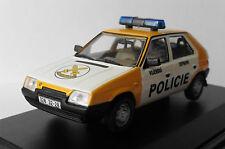 SKODA FAVORIT 136L 1987 VOJENSKA DOPRAVNI POLICIE ABREX 143ABSX708XY04 1/43