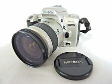 Minolta Dynax 404si autofocus 35mm film macchina fotografica con lenti 28-80mm #NE #