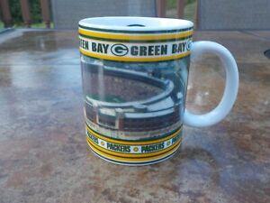 Danbury Mint PITTSBURGH STEELERS Game Day Mugs IN THE HUDDLE Heinz Field
