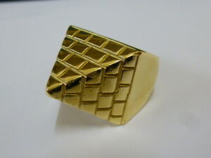 Gents Stunning 9ct Gold Pyramid Ring - Size W
