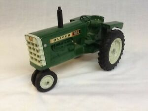 Vintage Ertl 1/16 Scale Oliver 1800 Narrow Front End Toy Tractor w/Metal Grill