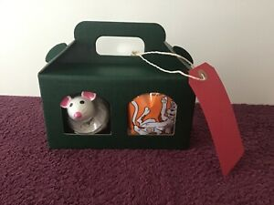 Kraft green window boxed cat treats hamper/with fun Dreamies play mouse/birthday