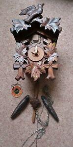 Anton Schneider Black Forest Cuckoo Clock, 5 Leaves and Bird with Original Box.