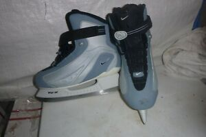 Womans sz 8 nike  ice skates
