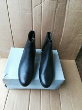Rockport Womens Total Motion Cherith Waterproof Black Boot Size 8.5(B,M)