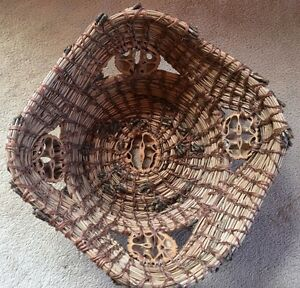 """Handmade Pine Needle Basket Decorated with 5 Walnut Cross Sections 8""""x8""""x3""""**"""