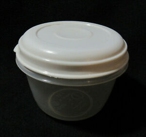Vintage Rubbermaid Servin Saver ALMOND lid sheer Containers Round 2 cups #1