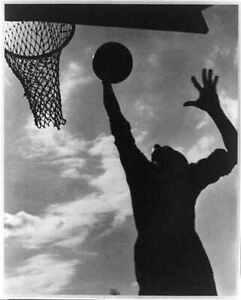 Photo:Basketball,XI Olympiade, Berlin 1936 / Leni Riefenstahl 4244