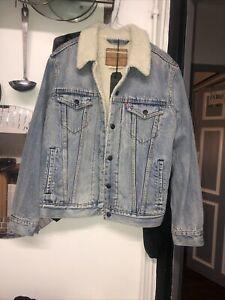 Bnwt Levis Size Small Fur Lined Denim Jacket