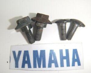 YAMAHA FZS 600 FZS600 FAZER REAR TAIL UNIT MOUNTING BOLTS & SCREWS 2002 - 2003