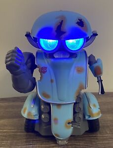 Transformers Sqweeks Robot 2014 Works Talks and Moves WowWee No Remote