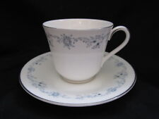 Royal Doulton ANGELIQUE H4997 - Teacup and Saucer