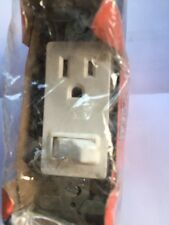Eagle 3274 Decorator Face, SP Quiet Switch & Grounding Receptacle 15A-120V AC