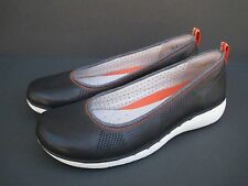 Clarks Women's Unstructured Un.Elita Navy Slip On Leather Shoes, Size 9.5 W
