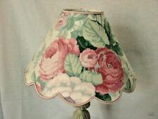 Abat-jour festonné  roses anciennes .  diamètre 25 /26cm