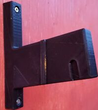 VERTICAL RIFLE WALL MOUNT FOR WK180C/WS-MCR/STANAG BASED RIFLES MOUNT IN ANY DIR