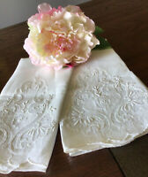 2 Vintage MADEIRA All White Linen Guest Towels Embroidered Organdy Insert Ht44